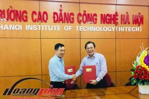 Lễ ký kết hợp tác giữa Hoàng Long CMS và Trường CĐ Công nghệ Hà Nội